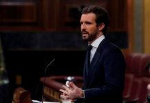 Pablo Casado puso al Congreso en silencio y en pie. FOTO: EFE